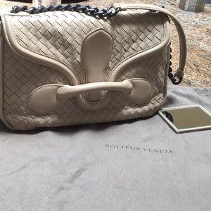 Bottega Venetia handbag, adj chain/leather strap